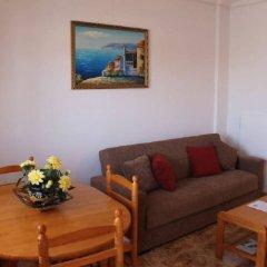 Отель La Cinuelica R15 Townhouse With 2 Comm Pools L143 Испания, Ориуэла - отзывы, цены и фото номеров - забронировать отель La Cinuelica R15 Townhouse With 2 Comm Pools L143 онлайн комната для гостей фото 5