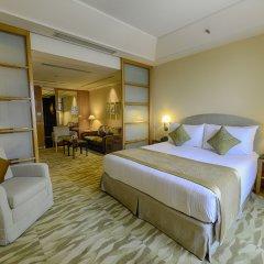 Отель The Grand New Delhi комната для гостей фото 2