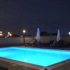 Отель B&B I Colori dell'Etna Сан-Джованни-ла-Пунта бассейн