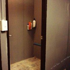 Ideer Hostel Бангкок сейф в номере