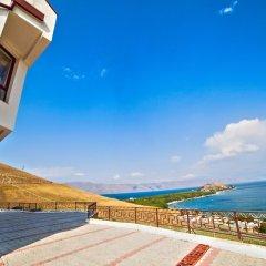Отель Cross Sevan Villa пляж