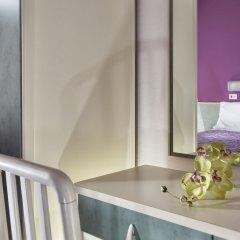 Hotel Sandra Римини ванная