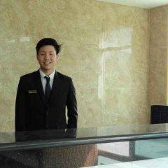 Отель Infinity Holiday Inn Бангкок бассейн фото 2