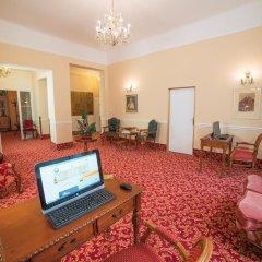 Отель Jesenius Чехия, Франтишкови-Лазне - отзывы, цены и фото номеров - забронировать отель Jesenius онлайн интерьер отеля фото 3