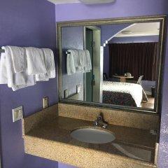 Отель Budget Motel США, Лос-Анджелес - отзывы, цены и фото номеров - забронировать отель Budget Motel онлайн ванная