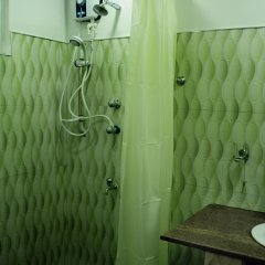 Отель Great Wall Tourist Rest Анурадхапура ванная фото 2