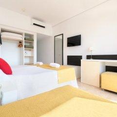 Azuline Hotel Bergantin сейф в номере
