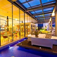 T Hotel бассейн