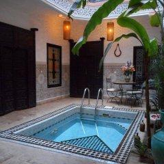 Отель Riad Hugo Марокко, Марракеш - отзывы, цены и фото номеров - забронировать отель Riad Hugo онлайн бассейн