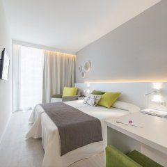 Отель JS Sol de Alcudia комната для гостей