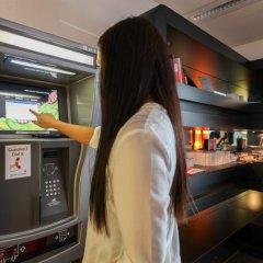 Отель Qbic Hotel Wtc Amsterdam Нидерланды, Амстердам - 6 отзывов об отеле, цены и фото номеров - забронировать отель Qbic Hotel Wtc Amsterdam онлайн банкомат