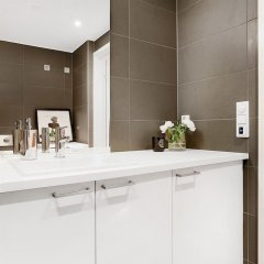 Отель Nordic Host Luxury Apts - Town Home Норвегия, Осло - отзывы, цены и фото номеров - забронировать отель Nordic Host Luxury Apts - Town Home онлайн ванная фото 2