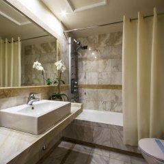 Dekelia Hotel ванная