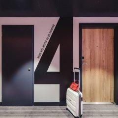 Отель Moxy Poznan Airport Польша, Познань - отзывы, цены и фото номеров - забронировать отель Moxy Poznan Airport онлайн интерьер отеля фото 2