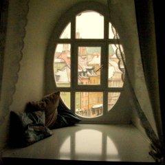 Отель Pokoje Gościnne Dom Literatury сейф в номере