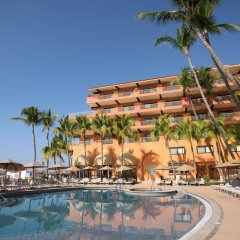 Отель Villa del Palmar Beach Resort and Spa, Puerto Vallarta бассейн