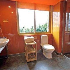 Отель Gangding Garden Inn ванная фото 2