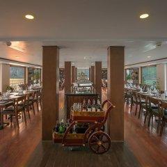Отель La Vela Premium Cruise гостиничный бар