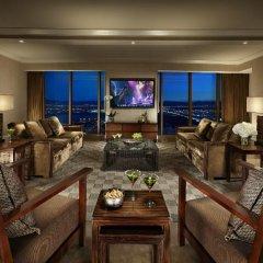Отель Mandalay Bay Resort And Casino интерьер отеля