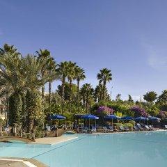 Отель Le Meridien NFis бассейн