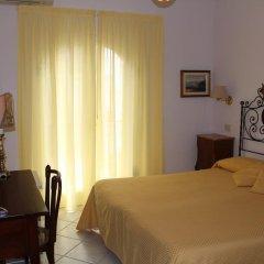 Villa Mora Hotel Джардини Наксос сейф в номере