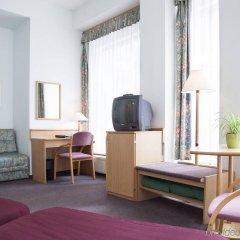 Отель City Hotel Pilvax Венгрия, Будапешт - 7 отзывов об отеле, цены и фото номеров - забронировать отель City Hotel Pilvax онлайн удобства в номере фото 2