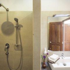 Отель Rockside Beach Resort ванная фото 2