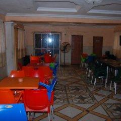 Отель Yseg Hotel Ibadan Нигерия, Ибадан - отзывы, цены и фото номеров - забронировать отель Yseg Hotel Ibadan онлайн питание