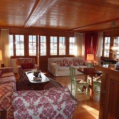Отель Drive - Three Bedroom Швейцария, Гштад - отзывы, цены и фото номеров - забронировать отель Drive - Three Bedroom онлайн комната для гостей