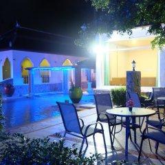 Отель Mandawee Resort & Spa бассейн фото 3