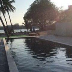 Отель Sarocha Villa бассейн