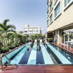 Отель Novotel Bangkok Silom Road бассейн фото 2
