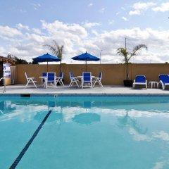 Отель BEST WESTERN PLUS Brookside Inn бассейн