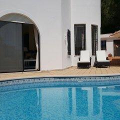 Отель Dunas Douradas Beach Villa by Rentals in Algarve бассейн фото 2
