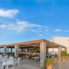 Ariadne Beach Hotel гостиничный бар