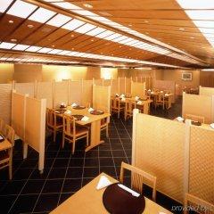Отель Okura Tokyo Япония, Токио - отзывы, цены и фото номеров - забронировать отель Okura Tokyo онлайн интерьер отеля
