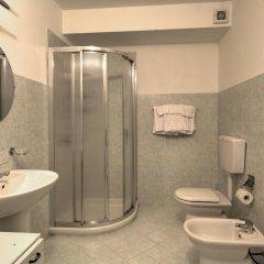 Отель Albergo Le Piante Манерба-дель-Гарда ванная