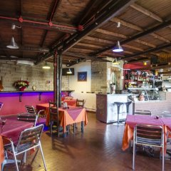 Отель Flaminio Village Bungalow Park Италия, Рим - 3 отзыва об отеле, цены и фото номеров - забронировать отель Flaminio Village Bungalow Park онлайн гостиничный бар