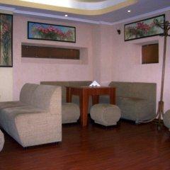 Отель Fenerite Family Hotel Болгария, Тырговиште - отзывы, цены и фото номеров - забронировать отель Fenerite Family Hotel онлайн интерьер отеля