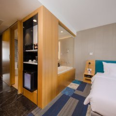 Отель Quinter Central Nha Trang Вьетнам, Нячанг - отзывы, цены и фото номеров - забронировать отель Quinter Central Nha Trang онлайн комната для гостей фото 2