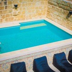 Отель Lemon Tree Bed & Breakfast Мальта, Заббар - отзывы, цены и фото номеров - забронировать отель Lemon Tree Bed & Breakfast онлайн бассейн