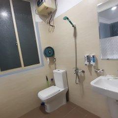 Отель OYO 833 Hoang Gia Motel Ханой ванная фото 2