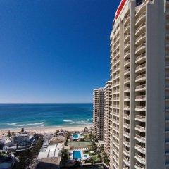 Отель Novotel Surfers Paradise пляж фото 2