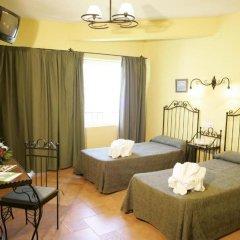 Отель Santa Cruz Испания, Гуэхар-Сьерра - отзывы, цены и фото номеров - забронировать отель Santa Cruz онлайн комната для гостей
