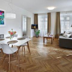 Отель DownTown Suites Mala Strana Чехия, Прага - отзывы, цены и фото номеров - забронировать отель DownTown Suites Mala Strana онлайн комната для гостей фото 5