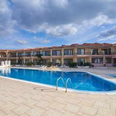 Toroni Blue Sea Hotel бассейн