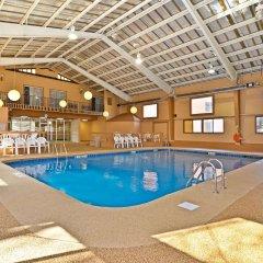 Отель Best Western Summit Inn США, Ниагара-Фолс - отзывы, цены и фото номеров - забронировать отель Best Western Summit Inn онлайн бассейн