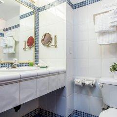 Отель Le Nouvel Hotel & Spa Канада, Монреаль - 1 отзыв об отеле, цены и фото номеров - забронировать отель Le Nouvel Hotel & Spa онлайн ванная