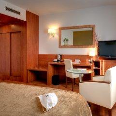 Отель Monte Triana Испания, Севилья - отзывы, цены и фото номеров - забронировать отель Monte Triana онлайн удобства в номере фото 2