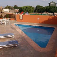 Отель Howard Johnson Plaza Las Torres Гвадалахара бассейн